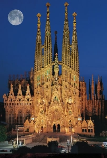 sagrada-familia-night